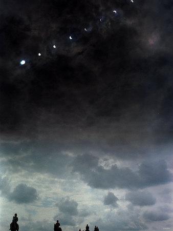 https://imgc.artprintimages.com/img/print/solar-eclipse-at-lambourn-august-1999_u-l-p5f3cv0.jpg?p=0