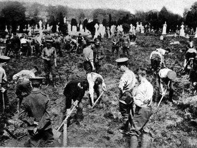 https://imgc.artprintimages.com/img/print/soldiers-digging-graves-for-victims-of-the-lusitania_u-l-q108erq0.jpg?p=0