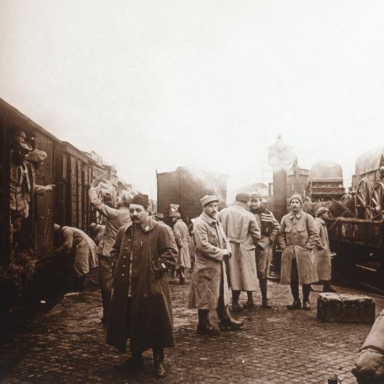 Soldiers going to the Somme, Epernay, northern France, c1914-c1918-Unknown-Photographic Print
