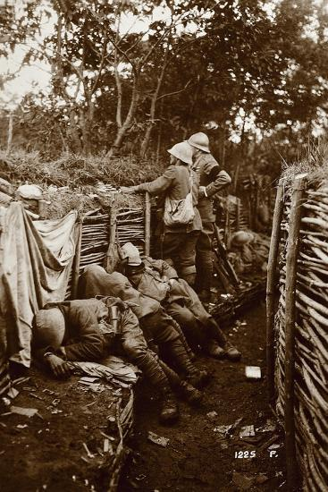 Soldiers in Trenches, World War I, Italy--Giclee Print