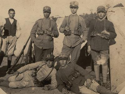 Soldiers of the 26th Infantry Regiment in Uniform War--Photographic Print