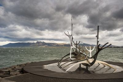 https://imgc.artprintimages.com/img/print/solfar-sun-voyager-sculpture-by-jon-gunnar-arnason-in-reykjavik-iceland-polar-regions_u-l-po7w6u0.jpg?p=0