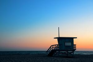 Santa Monica Beach Safeguard Tower at Sunset in Los Angeles by Songquan Deng