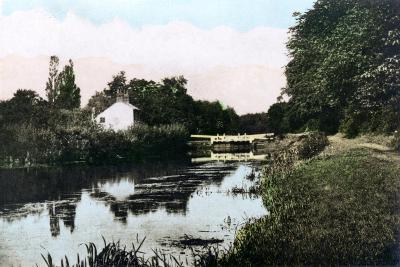 Sonning Lock on the River Thames, Berkshire, 1926--Giclee Print