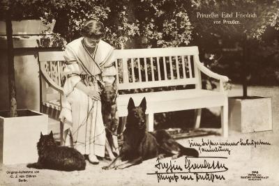 Sophie Charlotte Mit Hunden, Preußen, Liersch 7743--Giclee Print
