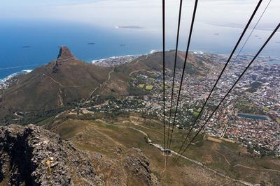 https://imgc.artprintimages.com/img/print/south-africa-cape-town-view-from-the-table-mountain-cableway_u-l-q11xfui0.jpg?p=0