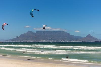 South Africa, Capetown, Kitesurfer in Front of the Table Mountain Silhouette-Catharina Lux-Photographic Print