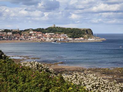 South Bay and Castle Hill from South Cliff Gardens, Scarborough, North Yorkshire, England, UK-Mark Sunderland-Photographic Print