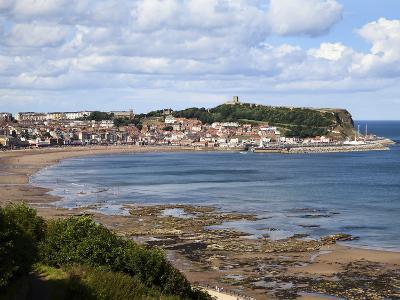 South Bay from South Cliff Gardens, Scarborough, North Yorkshire, Yorkshire, England, UK, Europe-Mark Sunderland-Photographic Print