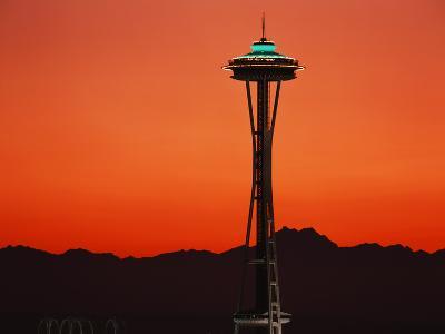 Space Needle at Sunset, Seattle, Washington, USA-David Barnes-Photographic Print