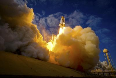 Space Shuttle Atlantis--Photographic Print