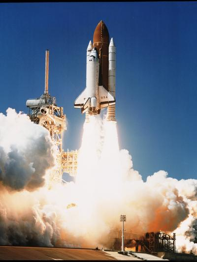Space Shuttle Columbia--Photographic Print
