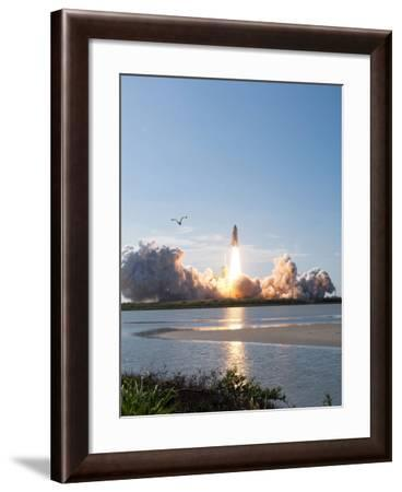 Space Shuttle Discovery Launch-Stocktrek Images-Framed Photographic Print
