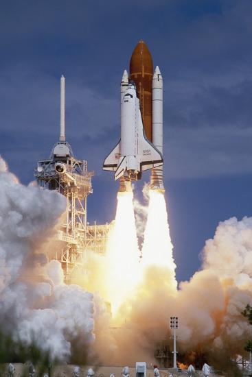 Space Shuttle Discovery Lifting Off-Roger Ressmeyer-Photographic Print