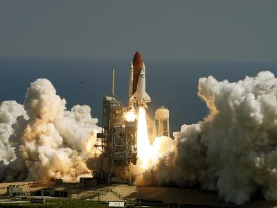 Space Shuttle-John Raoux-Photographic Print