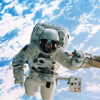 Spacewalk During Shuttle Mission STS-69--Photographic Print
