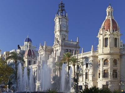 Spain, Valencia, Place De L'Ajuntament, City Hall, Well-Rainer Mirau-Photographic Print