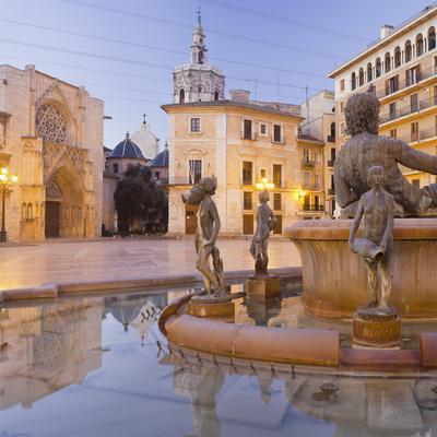 Spain, Valencia, Plaza De La Virgen, Turia Fountain, Catedral De Santa Mar'a De Valencia-Rainer Mirau-Photographic Print