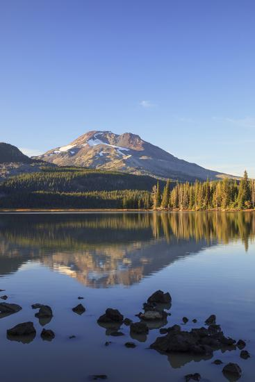 Sparks Lake with Broken Top, Deschutes National Forest Oregon, USA-Jamie & Judy Wild-Photographic Print