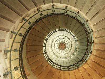https://imgc.artprintimages.com/img/print/spiral-staircase-at-eckmuhl-lighthouse-in-brittany_u-l-pzl5630.jpg?p=0