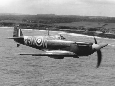 Spitfire in Flight--Photographic Print