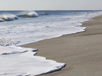 Spraying Surf Rolls Toward the Beach-Mauricio Handler-Photographic Print