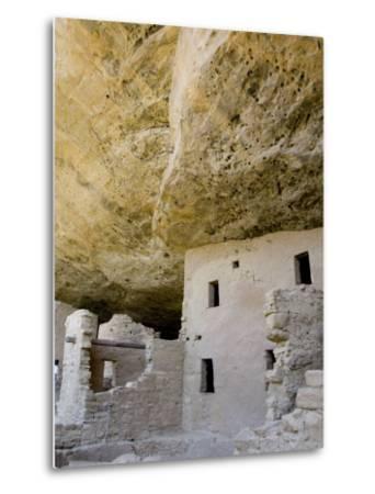 Spruce Tree House Ruins, Mesa Verde National Park, Colorado, USA-Cindy Miller Hopkins-Metal Print