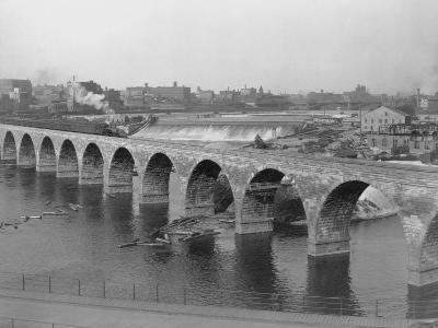 St. Anthony's Falls and Stone Arch Bridge--Photographic Print