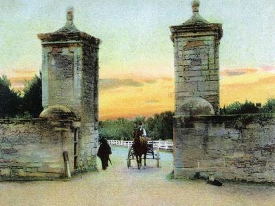 https://imgc.artprintimages.com/img/print/st-augustine-florida-view-of-the-old-city-gate_u-l-q1gp15j0.jpg?p=0