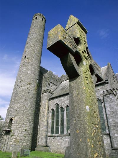St. Canice's Cathedral and Round Tower-Richard Cummins-Photographic Print