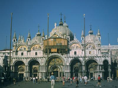 St. Marks Basilica, Venice, Italy-Peter Thompson-Photographic Print