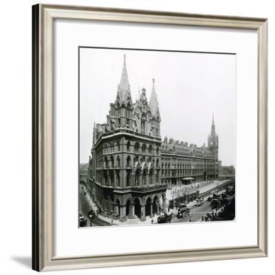 St Pancras Railway Station; Photograph from April 1899