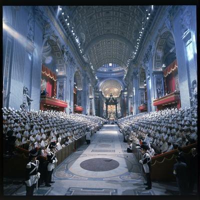 https://imgc.artprintimages.com/img/print/st-peter-s-basilica-during-the-2nd-vatican-ecumenical-council-of-the-roman-catholic-church_u-l-p46lx00.jpg?p=0