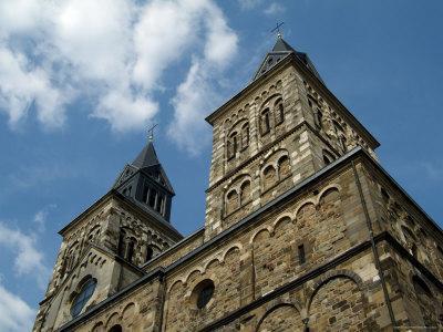 https://imgc.artprintimages.com/img/print/st-servatius-church-henric-van-veldeke-square-maastricht-holland-the-netherlands_u-l-p1fsxr0.jpg?p=0