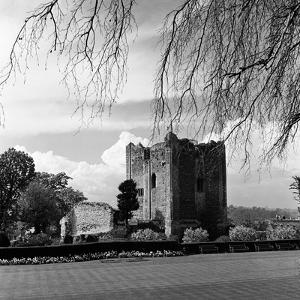 Guildford Castle by Staff