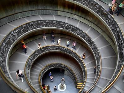 https://imgc.artprintimages.com/img/print/staircase-at-vatican-museum_u-l-pd73oa0.jpg?artPerspective=n