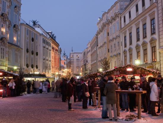 Stalls and People at Christmas Market, Stadtplatz, Steyr, Oberosterreich (Upper Austria)-Richard Nebesky-Photographic Print
