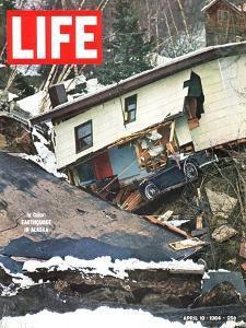 Alaska Earthquake, April 10, 1964 by Stan Wayman