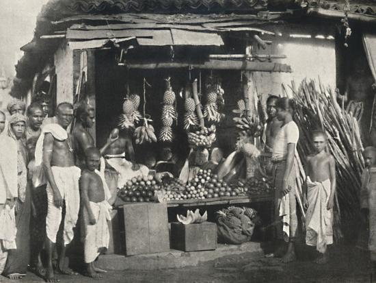 'Stand eines Obstverkaufers in Colombo', 1926-Unknown-Photographic Print