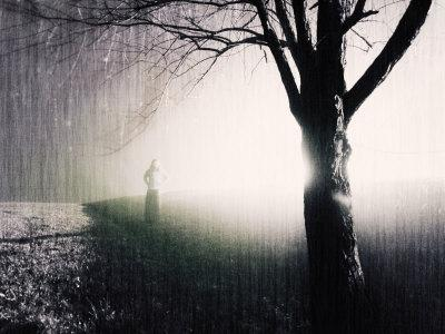 https://imgc.artprintimages.com/img/print/standing-in-the-rain-under-tree_u-l-pyysk40.jpg?p=0