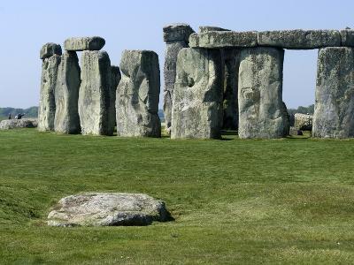 Standing Stone Circle of Stonehenge, 3000-2000BC, UNESCO World Heritage Site, Wiltshire, England-Ethel Davies-Photographic Print