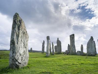 https://imgc.artprintimages.com/img/print/standing-stones-of-callanish-isle-of-lewis-western-isles-scotland_u-l-pu4oj20.jpg?artPerspective=n