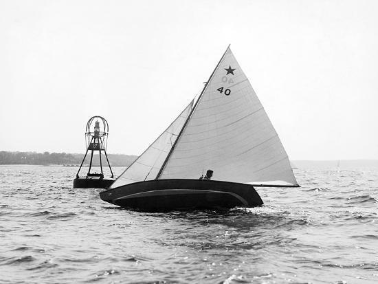Star Class Race: Southwind Rounding the Mark-Edwin Levick-Photographic Print