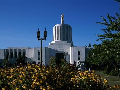 State Capitol, Salem, Oregon, USA--Photographic Print