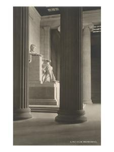 State in Lincoln Memorial