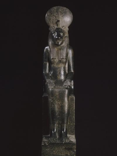Statue de Sekhmet, déesse à tête de lionne--Giclee Print