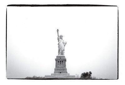 https://imgc.artprintimages.com/img/print/statue-of-liberty-c-1982_u-l-f4en810.jpg?p=0