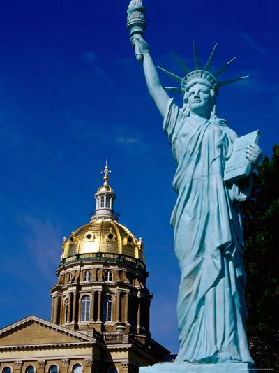 Statue of Liberty, State Capitol Grounds, des Moines, Iowa-Richard Cummins-Photographic Print