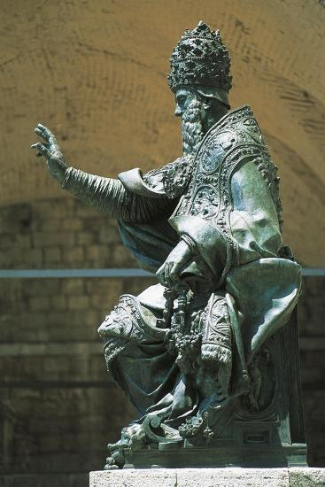 Statue of Pope Julius Iii Placed in Front of St Lawrence's Cathedral, Perugia, Umbria, Italy--Giclee Print