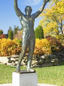 Statue of Rocky Balboa in a Park, Philadelphia Museum of Art, Benjamin Franklin Parkway